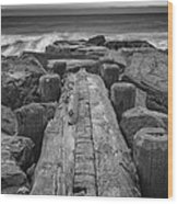 The Jetty In Black And White Wood Print