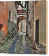 Tight Alley With A Bridge Wood Print