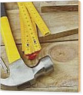 Tools Wood Print by Les Cunliffe