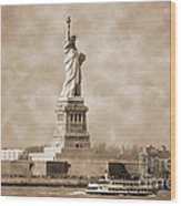 Vintage Statue Of Liberty Wood Print