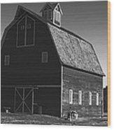 1913 Barn Black And White Wood Print