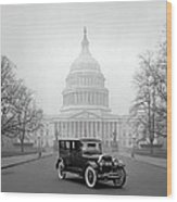 1924 Ford Lincoln At U. S. Capitol Wood Print