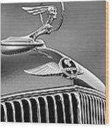 1933 Pontiac Hood Ornament - Emblem -0385bw Wood Print