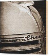 1935 Chevrolet Hood Ornament - Emblem Wood Print