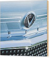 1958 Buick Roadmaster 75 Convertible Grille Emblem Wood Print