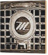 1958 Nash Metropolitan Grille Emblem Wood Print