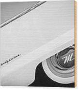 1959 Nash Metropolitan 1500 Convertible Wheel Emblem -0388bw Wood Print