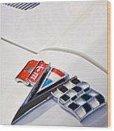 1963 Chevrolet Corvette Split Window Emblem -138c Wood Print