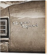 1967 Chevrolet Chevelle Ss Super Sport Taillight Emblem Wood Print