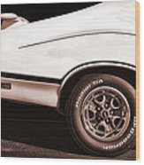1972 Oldsmobile Cutlass 4-4-2 Wood Print