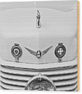 1937 Cord 812 Sc Convertible Phaeton Sedan Grille Emblems Wood Print
