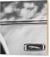 1995 Jaguar Emblem Wood Print