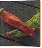 2 Chilies Wood Print