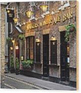 London Pub Wood Print