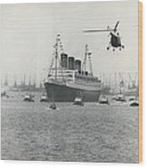 Queen Mary Leaves Southampton On Last Voyage Wood Print