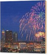 D21l-10 Red White And Boom Fireworks Display In Columbus Ohio Wood Print