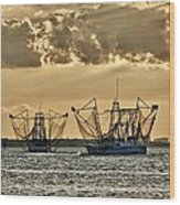 2 Shrimper Going To Sea Wood Print