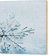 Snowflake In Snow Wood Print