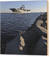 Uss Bataan Arrives At Naval Station Wood Print