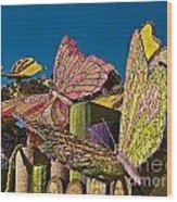 2015 Rose Parade Float Of Butterflies 15rp045 Wood Print