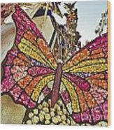 2015 Rose Parade Float With Butterflies 15rp043 Wood Print