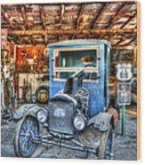 1919 Ford Model T Wood Print by Robert Jensen