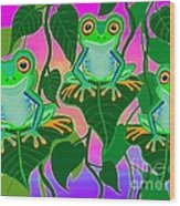 3 Little Frogs On Leafs Wood Print