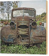 Old Junker Car Wood Print