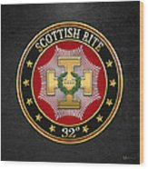 32nd Degree - Master Of The Royal Secret Jewel On Black Leather Wood Print