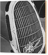 1935 Alfa Romeo 8c-35 Grille Emblem -0006bw Wood Print