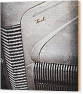 1940 Nash Sedan Grille Wood Print