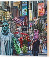 Times Square On A Tuesday Wood Print