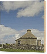 Abandoned Farm In Ireland Wood Print