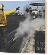 Aviation Boatswains Mate Directs An Wood Print