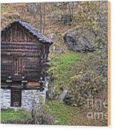 Old Rustic House Wood Print