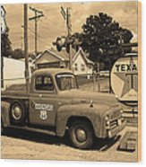 Route 66 - Shea's Gas Station Wood Print