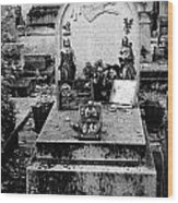Pere-lachais Cemetery In Paris France Wood Print