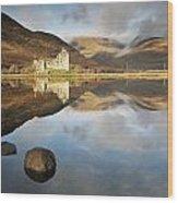 Kilchurn Castle Wood Print