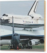 747 Transporting Discovery Space Shuttle Wood Print
