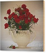 A Bouquet Of Red Rose Tea Wood Print
