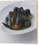 A Dish Of Mussels Wood Print