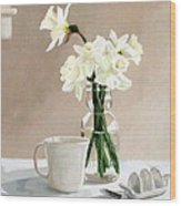 A Pint Of Daffodils Wood Print by Sandra Chase