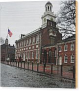 A Rainy Day At Independence Hall Wood Print