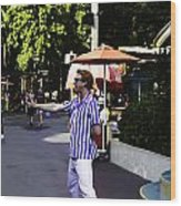 A Street Entertainer In The Hollywood Section Of The Universal Studios Wood Print