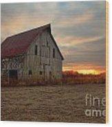 Abanded Barn At Sunset Wood Print