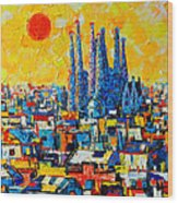 Abstract Sunset Over Sagrada Familia In Barcelona Wood Print
