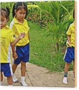 Adorable Sweethearts Welcoming Committee At Baan Konn Soong School In Sukhothai-thailand Wood Print