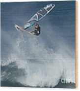 Airborn In Hawaii Wood Print