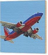 Airliner Landing At Sky Harbor Phoenix Arizona Wood Print