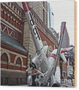 Airplane Sculpture In Philadelphia Pa - Navy S2f Wood Print
